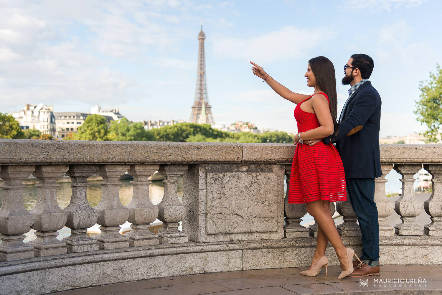 Honeymoon-in-Paris-Destination-Wedding-Photographer-Andrea-Jorge-16